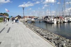 …an der Hafenpromenade spazieren und verweilen...